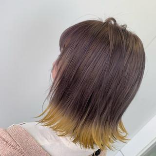裾カラー ブリーチ コテ巻き フェミニン ヘアスタイルや髪型の写真・画像