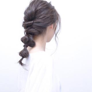 ナチュラル セミロング ヘアアレンジ 波ウェーブ ヘアスタイルや髪型の写真・画像