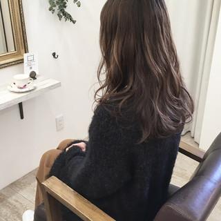 アッシュベージュ グラデーションカラー 外国人風カラー 大人かわいい ヘアスタイルや髪型の写真・画像 ヘアスタイルや髪型の写真・画像
