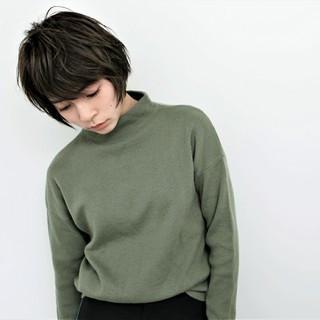 モード 暗髪 リラックス ニュアンス ヘアスタイルや髪型の写真・画像