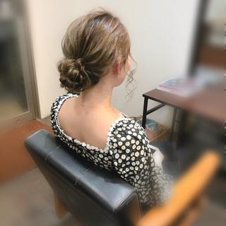 お団子 ナチュラル アップ ヘアセット ヘアスタイルや髪型の写真・画像