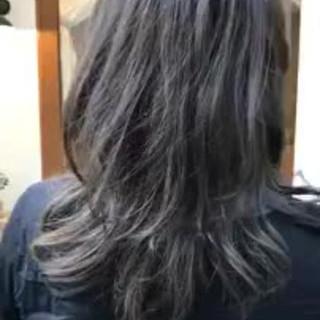 ゆるふわ 抜け感 オフィス ミディアム ヘアスタイルや髪型の写真・画像 ヘアスタイルや髪型の写真・画像