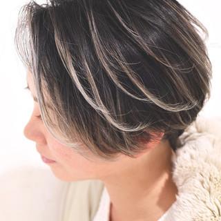 外国人風カラー ローライト グレージュ ガーリー ヘアスタイルや髪型の写真・画像