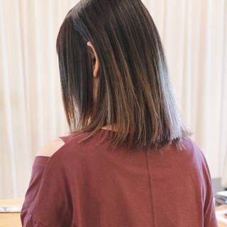 インナーカラー 切りっぱなしボブ ストレート グラデーションカラー ヘアスタイルや髪型の写真・画像