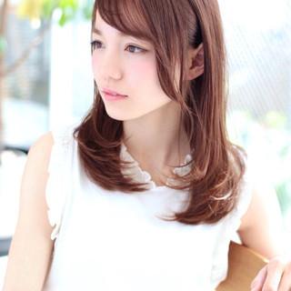 大人かわいい パーマ ミディアム 斜め前髪 ヘアスタイルや髪型の写真・画像