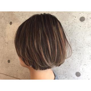 ナチュラル 色気 ハイライト ショートボブ ヘアスタイルや髪型の写真・画像