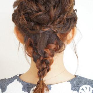 ねじり 三つ編み ヘアアレンジ ミディアム ヘアスタイルや髪型の写真・画像