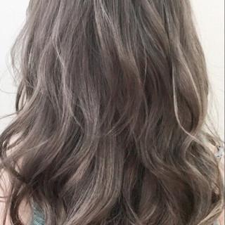 春 ハイライト グラデーションカラー トレンド ヘアスタイルや髪型の写真・画像