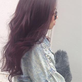 ピンク ロング 暗髪 ストリート ヘアスタイルや髪型の写真・画像