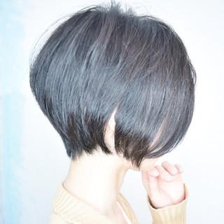 小顔ショート ショート ナチュラル ハンサムショート ヘアスタイルや髪型の写真・画像 ヘアスタイルや髪型の写真・画像