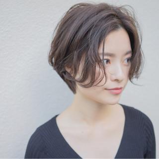 大人女子 小顔 センターパート こなれ感 ヘアスタイルや髪型の写真・画像