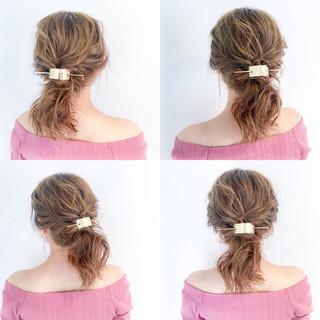 セミロング アウトドア フェミニン デート ヘアスタイルや髪型の写真・画像