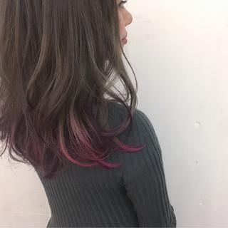ピンク グレージュ ストリート ロング ヘアスタイルや髪型の写真・画像