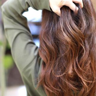 大人女子 ベリーピンク 冬 ナチュラル ヘアスタイルや髪型の写真・画像