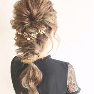 編み込み ナチュラル 結婚式 ロング ヘアスタイルや髪型の写真・画像