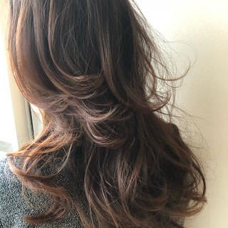 外国人風カラー エレガント グラデーションカラー パーマ ヘアスタイルや髪型の写真・画像