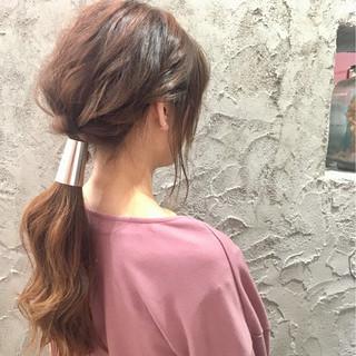 デート ヘアアレンジ こなれ感 ナチュラル ヘアスタイルや髪型の写真・画像