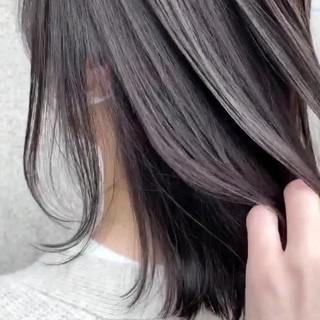 グレージュ ナチュラル ミディアムレイヤー アッシュグレージュ ヘアスタイルや髪型の写真・画像