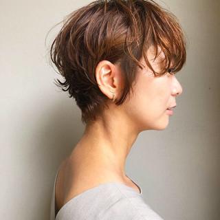 ベリーショート ハンサムショート ショート ナチュラル ヘアスタイルや髪型の写真・画像
