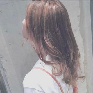 オレンジ レイヤー セミロング フェミニン ヘアスタイルや髪型の写真・画像