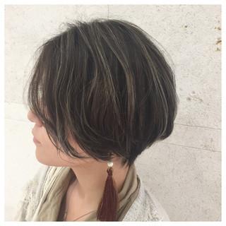 ハイライト ショート アンニュイ こなれ感 ヘアスタイルや髪型の写真・画像