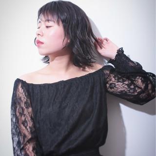 パーマ 黒髪 外ハネ かわいい ヘアスタイルや髪型の写真・画像