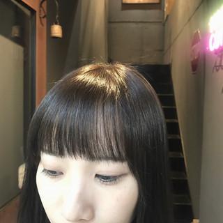 oggiotto オン眉 グレージュ ロング ヘアスタイルや髪型の写真・画像