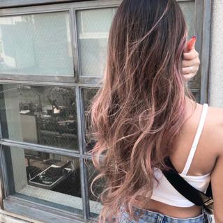 インナーカラー ユニコーンカラー ロング バレイヤージュ ヘアスタイルや髪型の写真・画像