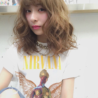 ハイライト 外国人風 ミディアム ストリート ヘアスタイルや髪型の写真・画像