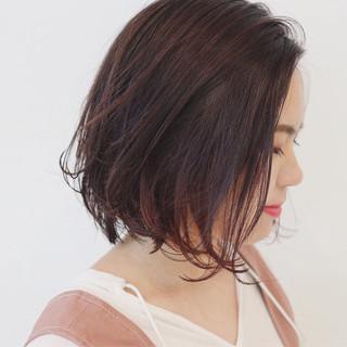 インナーカラー ボブ ガーリー 切りっぱなし ヘアスタイルや髪型の写真・画像