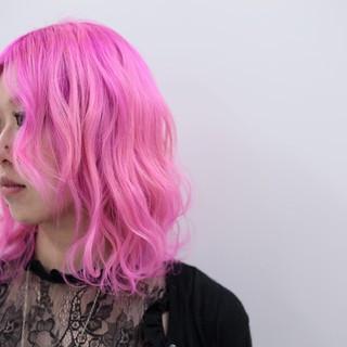 ハイトーン ベリーピンク 成人式 ピンク ヘアスタイルや髪型の写真・画像