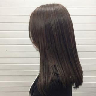 冬 セミロング ハイライト グレージュ ヘアスタイルや髪型の写真・画像