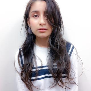 冬 ナチュラル 暗髪 アッシュ ヘアスタイルや髪型の写真・画像