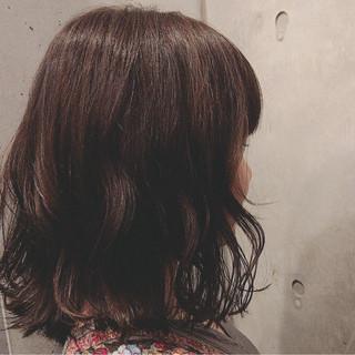アンニュイ ウェーブ ナチュラル ミディアム ヘアスタイルや髪型の写真・画像