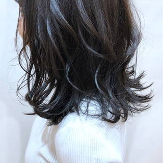 セミロング パーマ 大人可愛い アンニュイほつれヘア ヘアスタイルや髪型の写真・画像