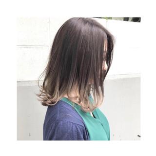ミディアム アッシュ ハイライト リラックス ヘアスタイルや髪型の写真・画像