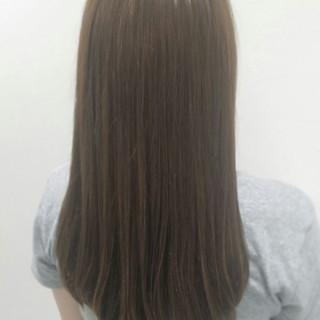イルミナカラー ロング アッシュ フェミニン ヘアスタイルや髪型の写真・画像