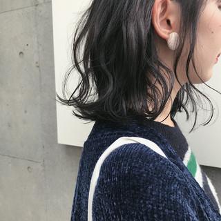 アッシュグレー アッシュグレージュ グレージュ ナチュラル ヘアスタイルや髪型の写真・画像