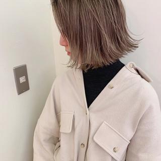 ナチュラル アンニュイほつれヘア ハイライト ゆるふわ ヘアスタイルや髪型の写真・画像