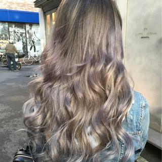 ロング アッシュ グラデーションカラー ハイトーン ヘアスタイルや髪型の写真・画像