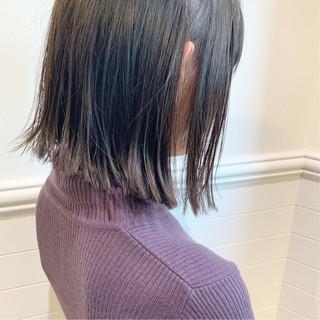 大人かわいい アンニュイほつれヘア アウトドア オフィス ヘアスタイルや髪型の写真・画像