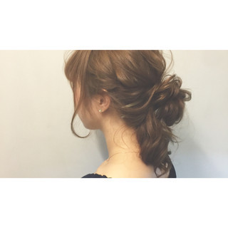 メッシーバン ミディアム ヘアアレンジ ショート ヘアスタイルや髪型の写真・画像