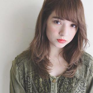 デート 束感 ミディアム 秋 ヘアスタイルや髪型の写真・画像