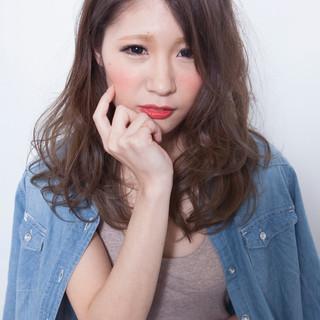 外国人風 セミロング 簡単ヘアアレンジ ナチュラル ヘアスタイルや髪型の写真・画像