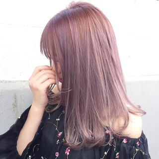 デート ミルクティー ロング インナーカラー ヘアスタイルや髪型の写真・画像