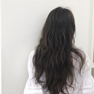 秋 オフィス リラックス ロング ヘアスタイルや髪型の写真・画像