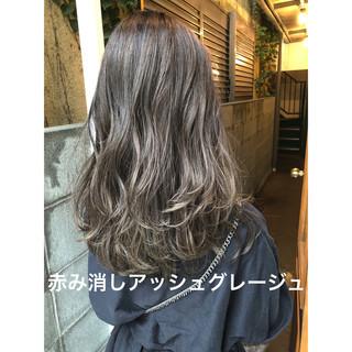 パーマ デート オフィス イルミナカラー ヘアスタイルや髪型の写真・画像