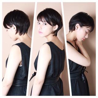 ショート ナチュラル 小顔ショート 大人カジュアル ヘアスタイルや髪型の写真・画像