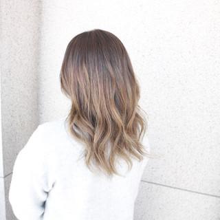 セミロング アッシュ デート アッシュグラデーション ヘアスタイルや髪型の写真・画像 ヘアスタイルや髪型の写真・画像