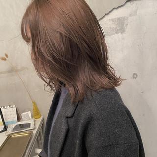 ナチュラル ハイライト ミルクティーベージュ ウルフカット ヘアスタイルや髪型の写真・画像